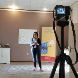 Suaugusiųjų grupės dalyvė Dalia dalinasi savo mintimis... :) Kamera netokia ir baisi , kai nuolat praktikuojamės... :)