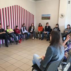 Šiltą pavasario popietę 5-8 kl. moksleivių susirinko daug, Oratorių mokykla buvo pilna juoko, žaismingumo ir kalbų! ;)